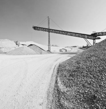 Maschinen der PANNONIA GROUP fördern Kies im Tagebau