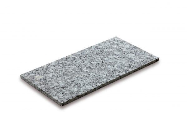 Aufnahme einer PANNONIA Granit Steinplatte in grau-meliert
