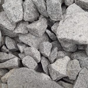 Nahaufnahme von PANNONIA Ziersteinen für Gabionen Granit